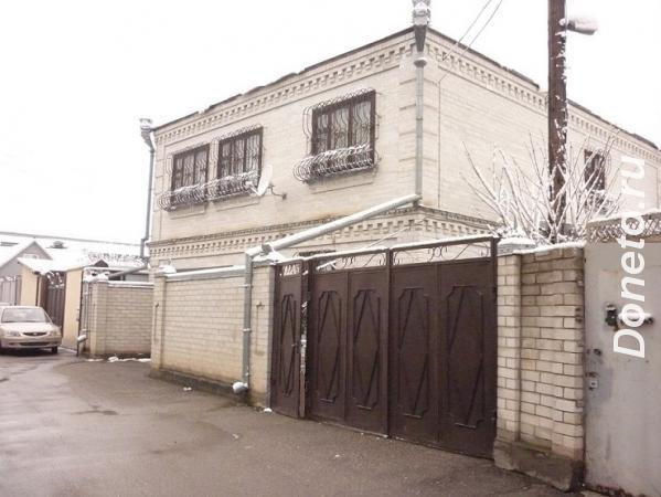 Продаю  дом  240 кв.м  кирпичный